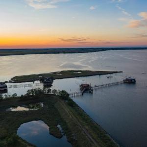 Bike & boat al tramonto: dal mare alle valli