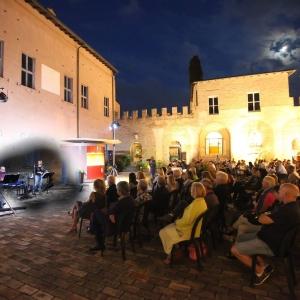 Note di notte. Spettacoli musicali in corte al Castello di Spezzano