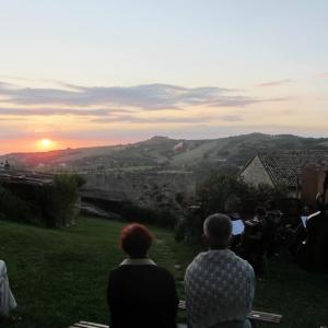 Tradizionale concerto di Ferragosto all'alba, nella corte del castello