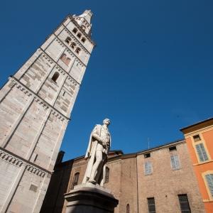 Sali sulla Torre Ghirlandina e scopri Modena dall'alto