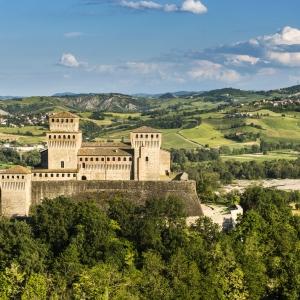 ParmaSiGuida: la Food Valley con Parma, il Castello di Torrechiara e i Vini dei Colli DOC