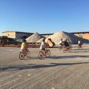La pedalata alle montagne di sale